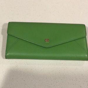 NWOT Kelly green Tory Burch wallet
